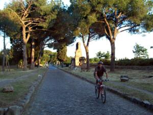 ciclista sull'appia