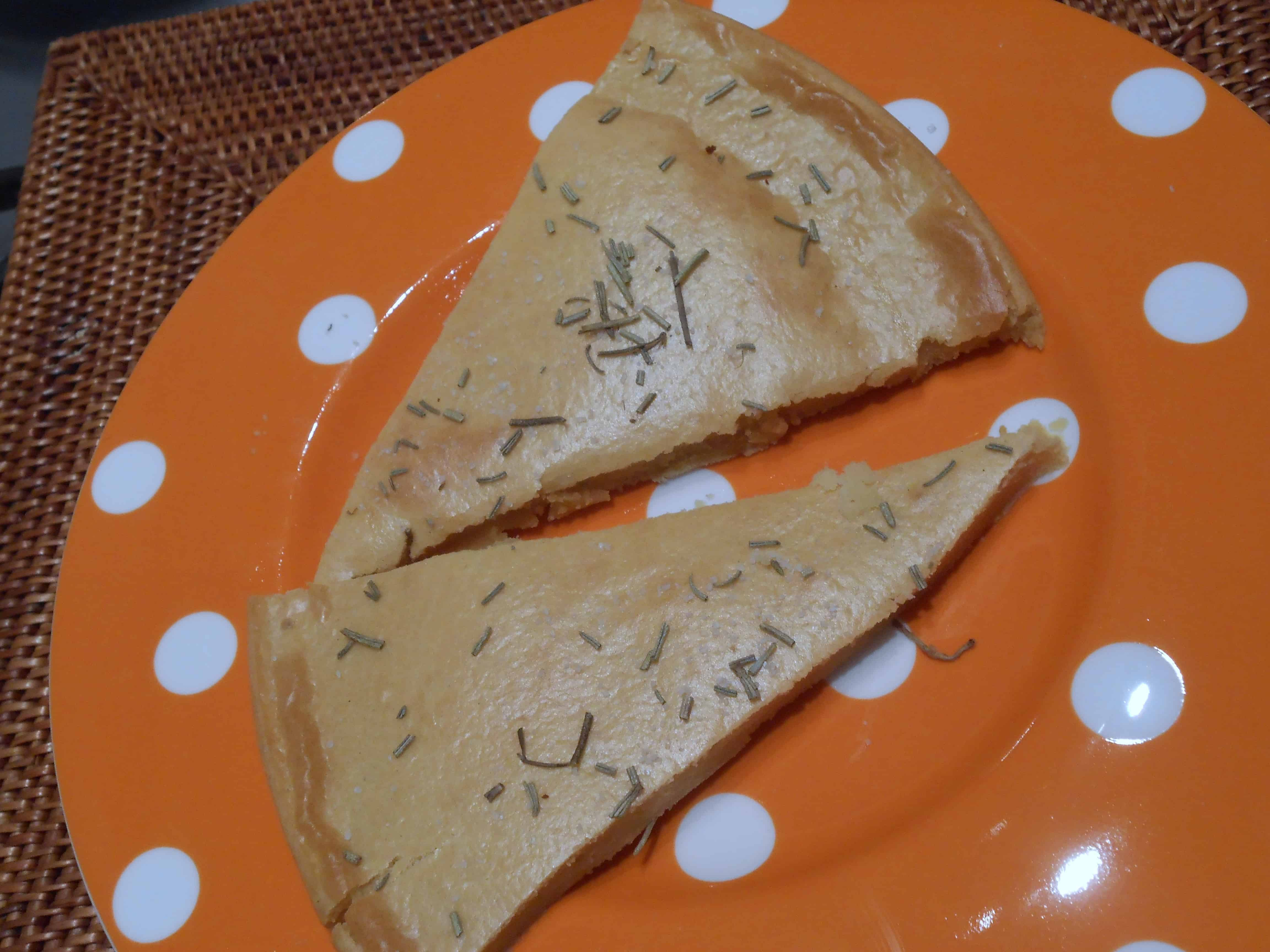 piatto con fette focaccia