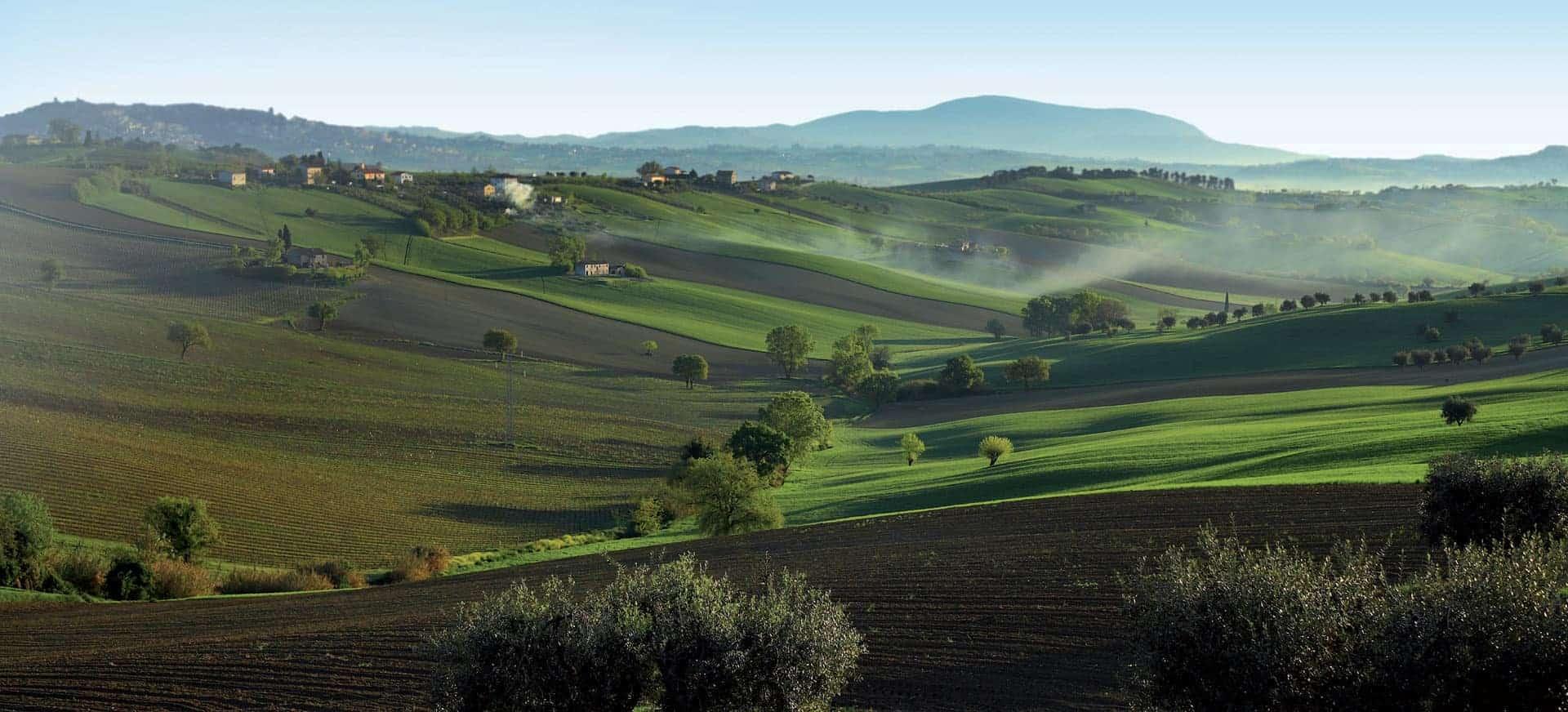 ... per circa 100 km seguendo le suggestioni e seduzioni del paesaggio tra
