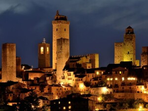 san giminiano notte