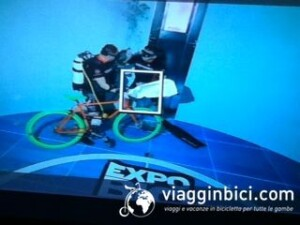 record bici in piscina Y-40