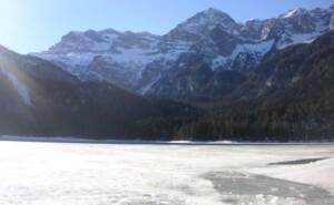 lago-di-tovel-ghiacciato