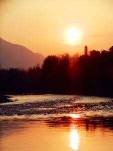 tramonto lungo il fiume Adda