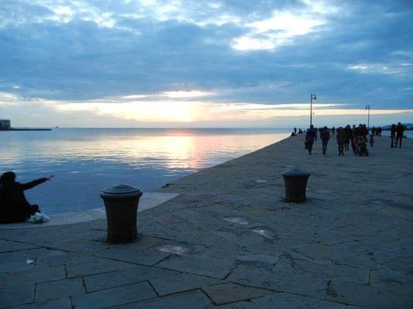 tramonto-sul-molo-audace