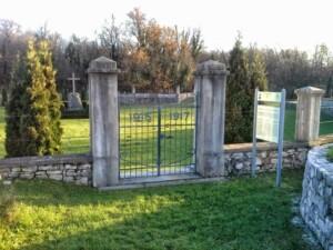 cancello cimitero militare