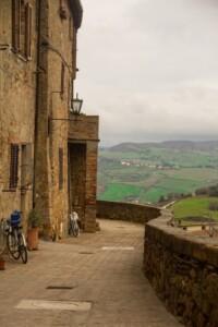 strada con bici Montalcino