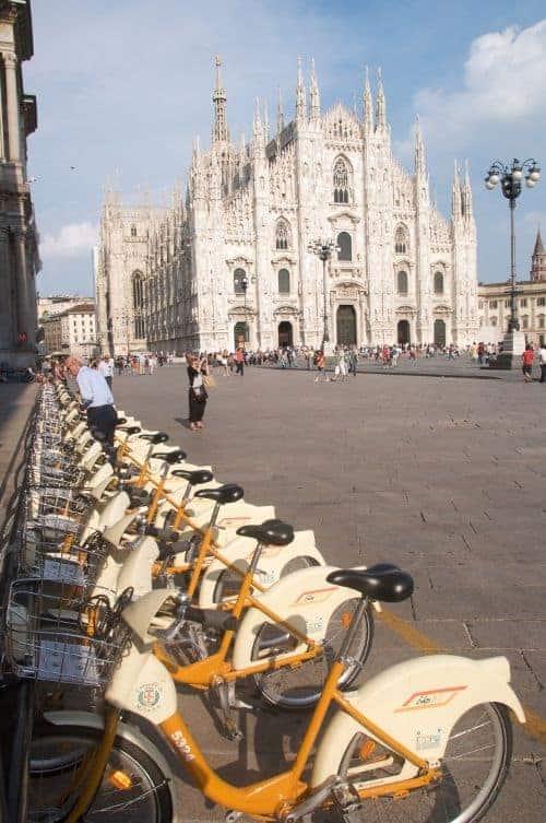 Milano i milanesi le bici cronaca di un amore for Mobile milano bike sharing