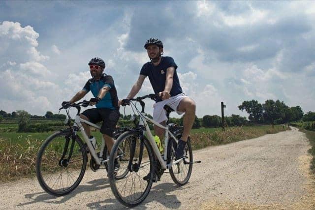 garda in bici