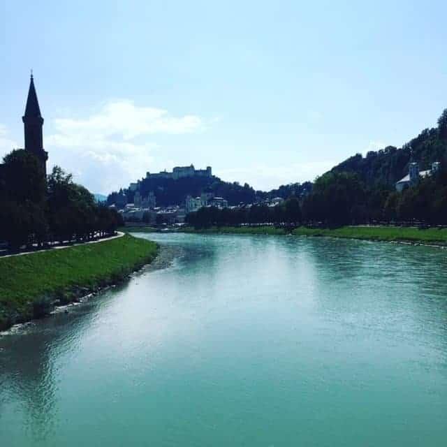 Salisburgo dalla pista ciclabile lungo il Salzach