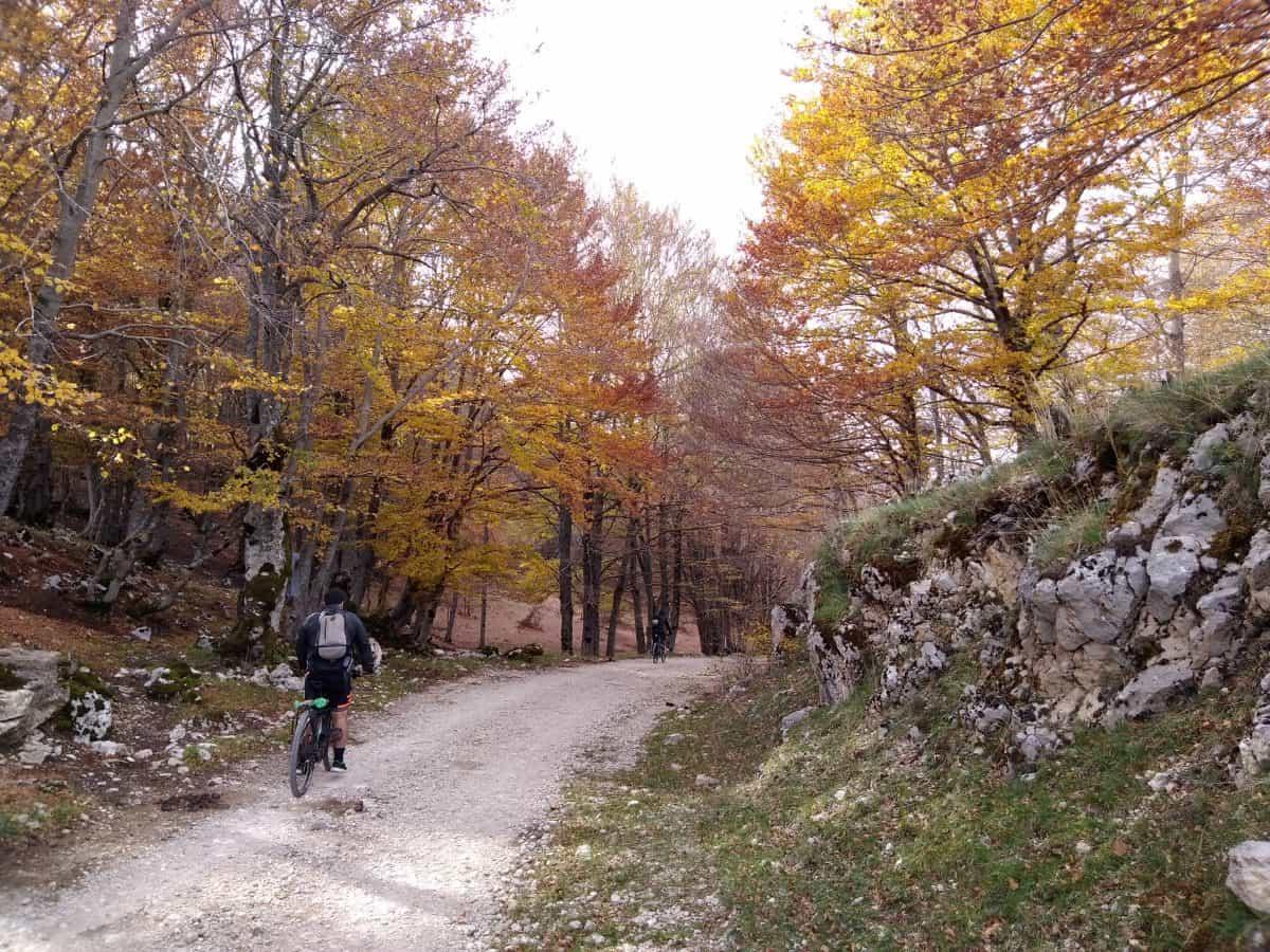 Pedalata in mtb sui Monti Simbruini tra Lazio e Abruzzo con tracce gpx