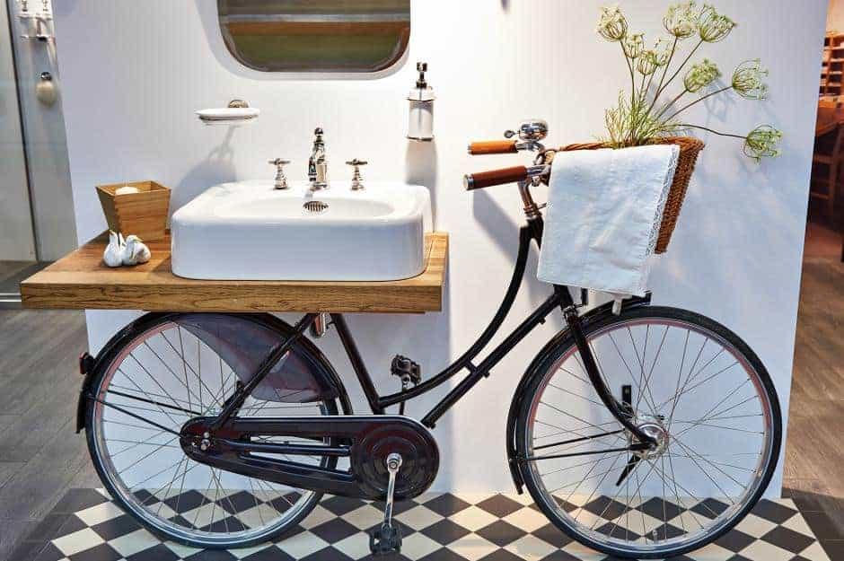 Bike design tavoli sedie e sgabelli creati con pezzi di