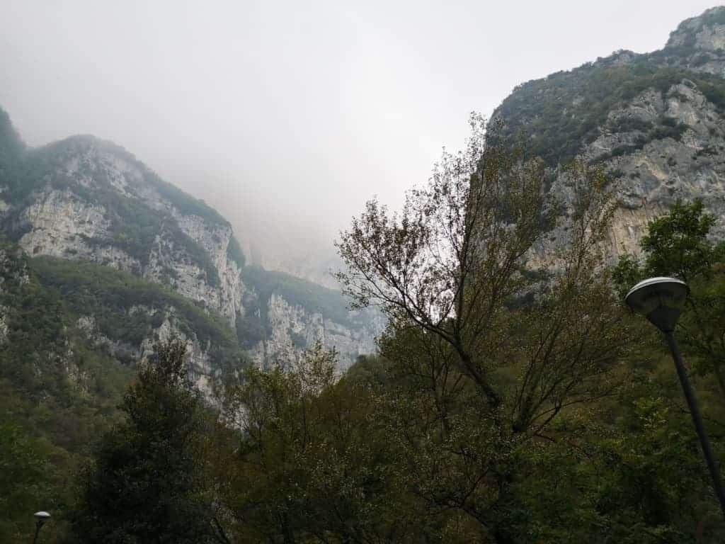 Gole della Rossa e Grotte di Frasassi