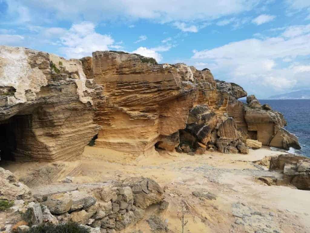 La grotta del bue marino