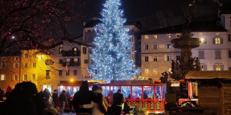 mercatini di Natale a trento e colore natalizio in città ©2018 foto Romano Magrone